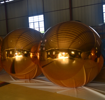 gold-metallic-balls