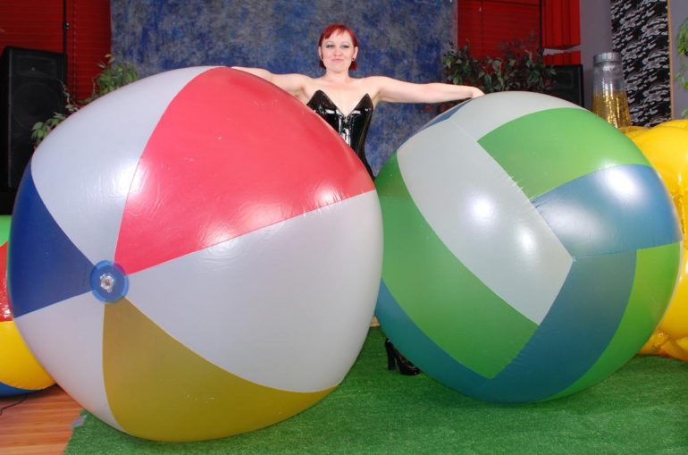 big-beachballs
