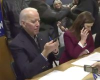 LMAO: Biden Campaign Photo Op Shows Him Struggle With Using A Cell Phone (VIDEO)